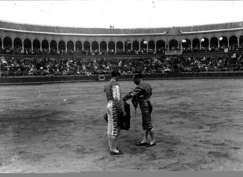 Alternativa de Joselito de manos de Rafael el Gallo, 1912.