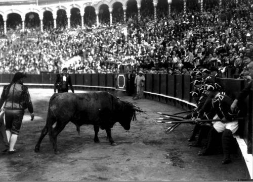 Actuación de forçados portugueses, década de 1930.