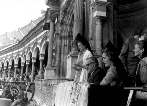 Los Príncipes de Mónaco en el palco de la Maestranza, 1966.